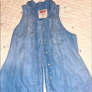Mossimo sleeveless jean-looking button up shirt.